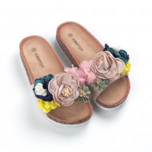 Бежови дамски чехли флорален дизайн  2