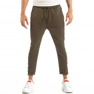 Лек мъжки панталон в зелено с кантове  2
