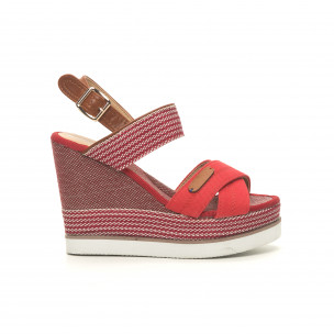 Дамски сандали червен деним на висока платформа