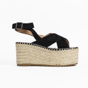 Дамски сандали на платформа в черно