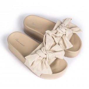 Бежови дамски чехли на платформа с панделка  2