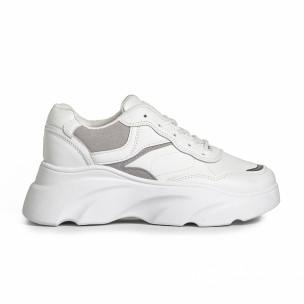 Бели дамски маратонки с обемна подметка