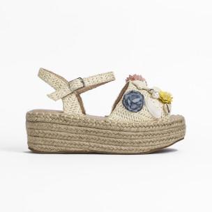 Дамски сандали в бежово с декорация  2