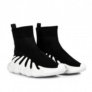 Slip-on черни маратонки релефна подметка Fashion&Bella 2