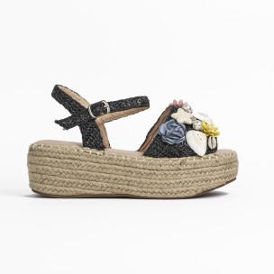 Дамски сандали в черно с декорация 2