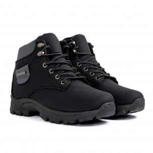 Мъжки черни трекинг обувки с подплата  2
