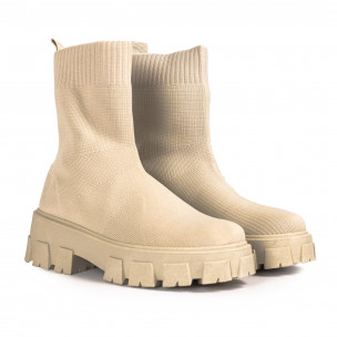 Slip-on дамски бежови боти тип чорап 2