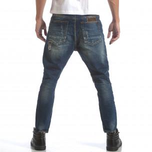 Мъжки дънки с големи декоративни кръпки  2