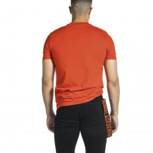 Мъжка червена тениска с гумиран принт  2