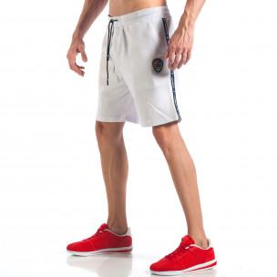 Мъжки бели шорти с апликация на крачола