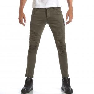 Мъжки зелени дънки със скъсвания и кръпки