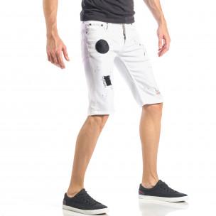 Бели мъжки къси дънки с черни пръски и кръпки 2