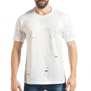 Мъжка бяла тениска с декоративни скъсвания