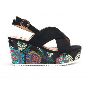 Черни дамски сандали с жакардови платформи