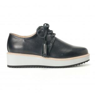 Дамски черни обувки с бели подметки