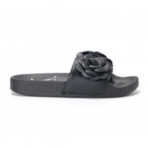Дамски черни чехли с релефни цветя