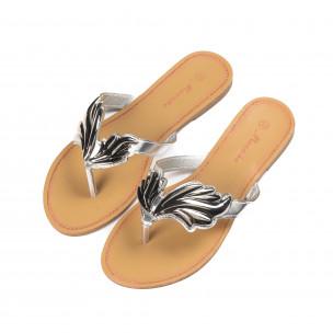 Дамски чехли с метална сребриста декорация  2