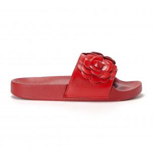 Дамски червени чехли с релефни цветя
