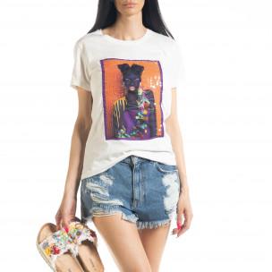 Дамска бяла тениска с апликация
