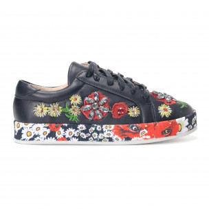 Дамски черни кецове с камъни и цветя 2