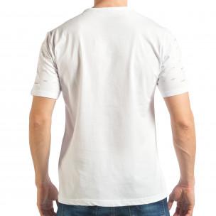 Мъжка бяла тениска с декоративни скъсвания  2