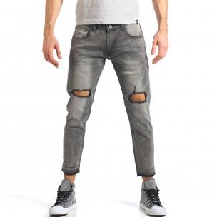 Мъжки сиви дънки с големи скъсвания на коленете