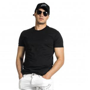 Мъжка черна тениска с гумиран принт