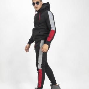 Черен ватиран спортен комплект с цветни кантове