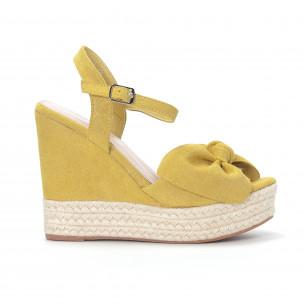 Дамски жълти сандали на платформа