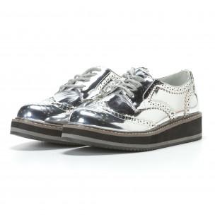 Дамски сребристи обувки с връзки 2
