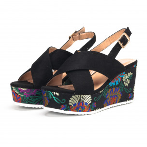 Черни дамски сандали с жакардови платформи 2