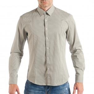 Мъжка бежова риза с дребен класически десен