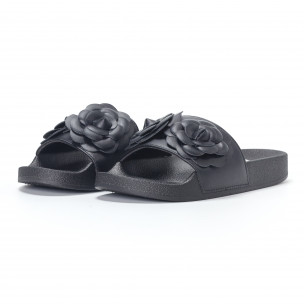 Дамски черни чехли с релефни цветя 2