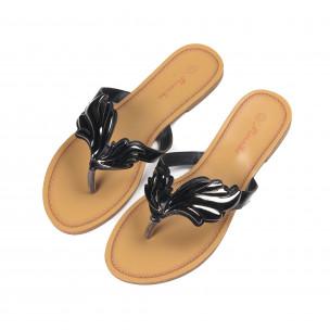 Дамски чехли с метална черна декорация  2
