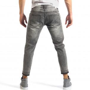 Мъжки сиви дънки с големи скъсвания на коленете  2