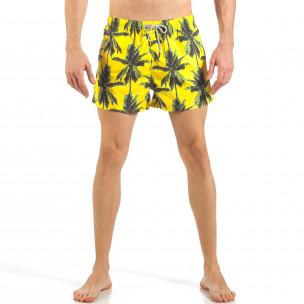 Мъжки жълт бански с принт на палми