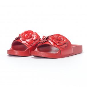 Дамски червени чехли с релефни цветя 2