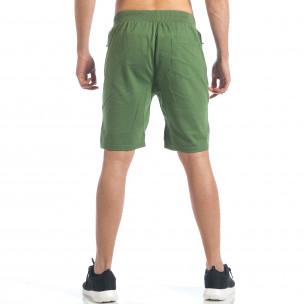 Мъжки зелени шорти с релефни части  2
