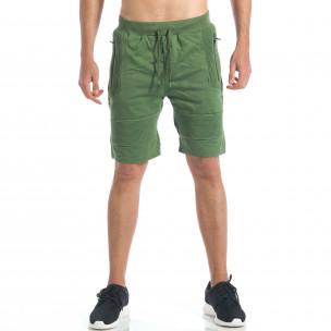 Мъжки зелени шорти с релефни части