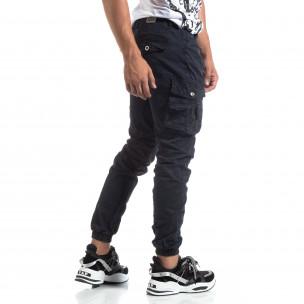 Син мъжки панталон с ципове на джобовете