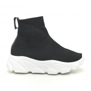 Дамски черни маратонки тип чорап с бяла подметка