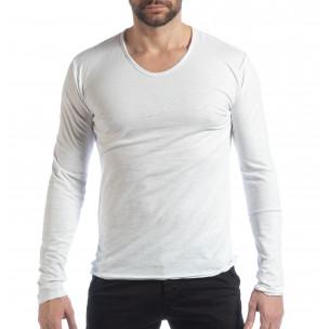Мъжка блуза V-neck в бяло