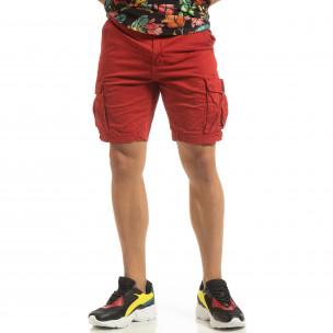 Къси карго панталони в червено с детайл