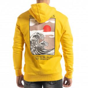 Памучен жълт суичър с принт на гърба  2