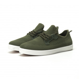 Мъжки леки спортни обувки в милитъри зелено  2