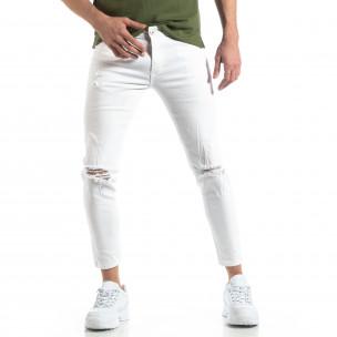 Бели мъжки дънки с прокъсвания
