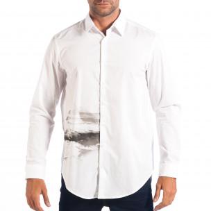 Мъжка бяла риза Regular fit с принт