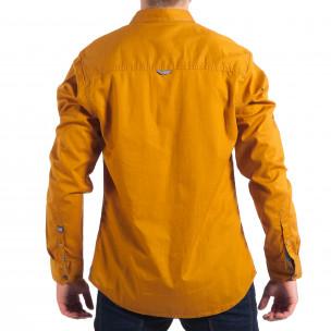Мъжка риза с контрастен джоб CROPP в цвят камел  2