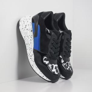 Дамски черни маратонки с лачени и сини детайли  2