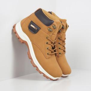 Мъжки трекинг обувки в цвят камел  2